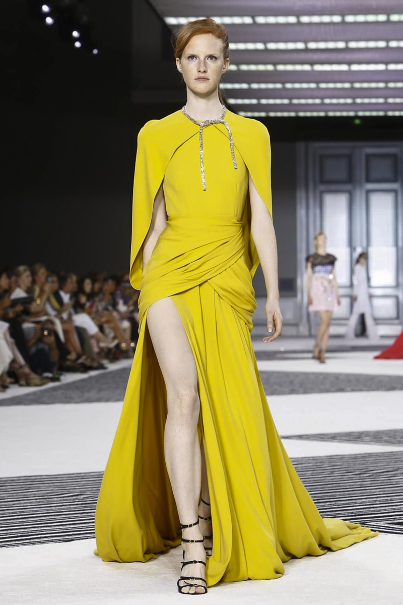 Giambattista Valli Couture Fall Winter 2015 Fashion Show in Paris